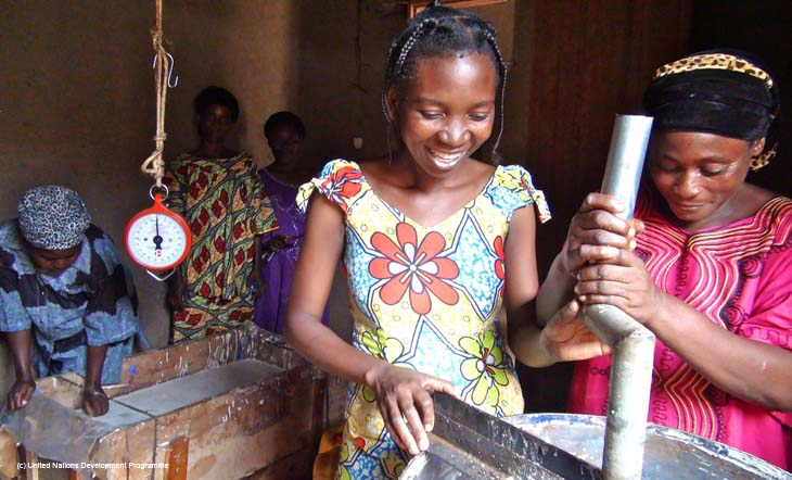 Redonner le sourire à des jeunes filles