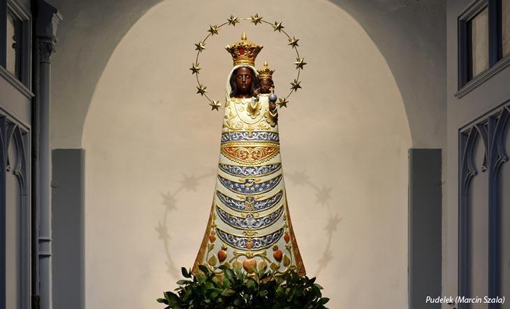 Des robes pour Marie
